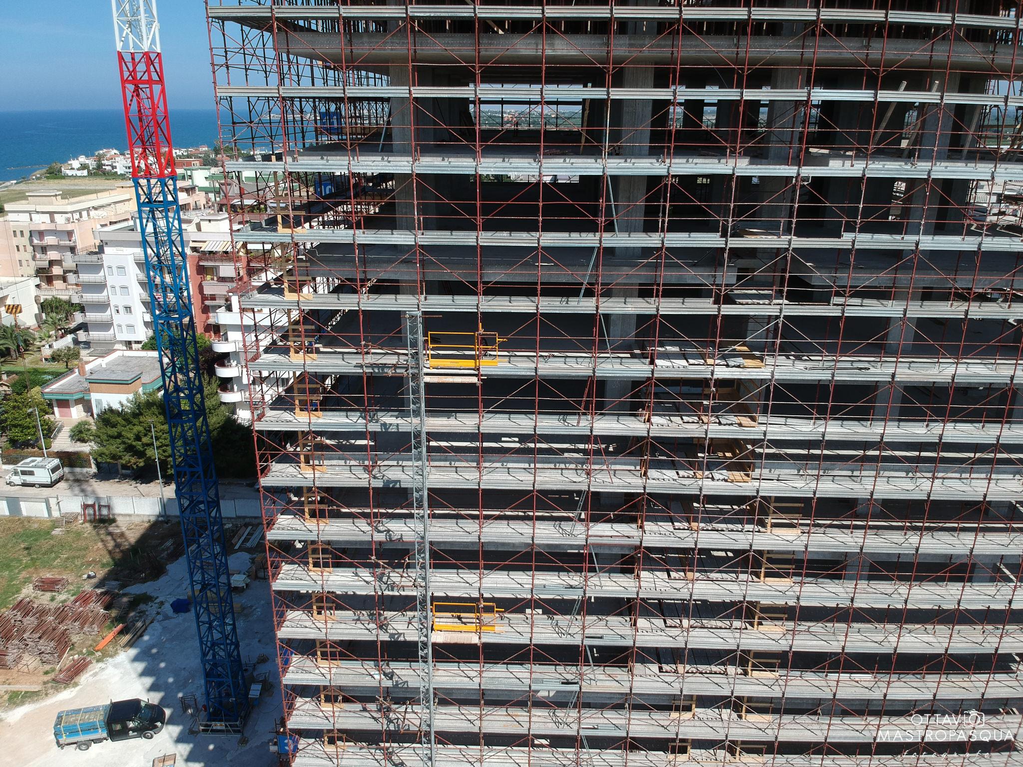 Pannelli Solari Termici Da Balcone drone work: di leo costruzioni srl - avproduction